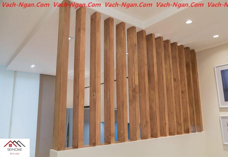 vách gỗ ngăn cầu thang